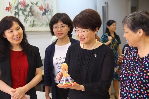 图4称赞社区妇女之家手工作品.JPG